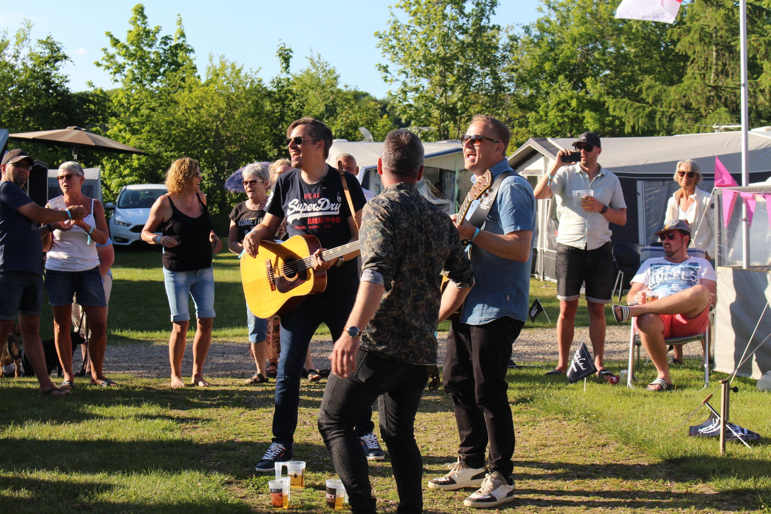 Live musik på Fårup Sø Camping beliggende I Jelling under Jelling Musikfestival